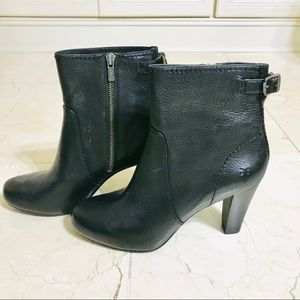 New Original Frye soft black leather booties
